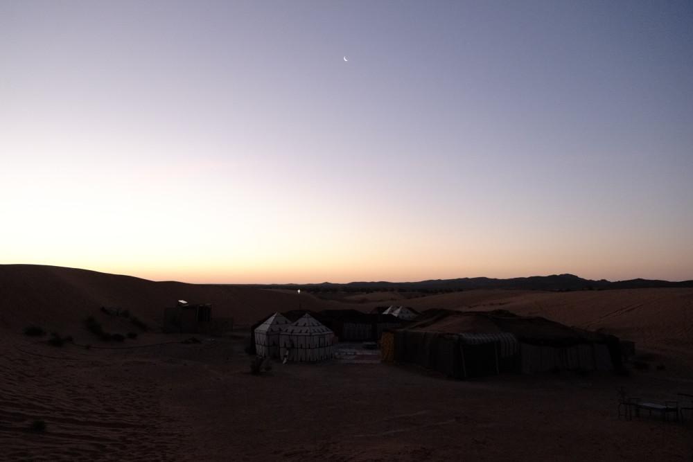 サハラ砂漠朝焼け