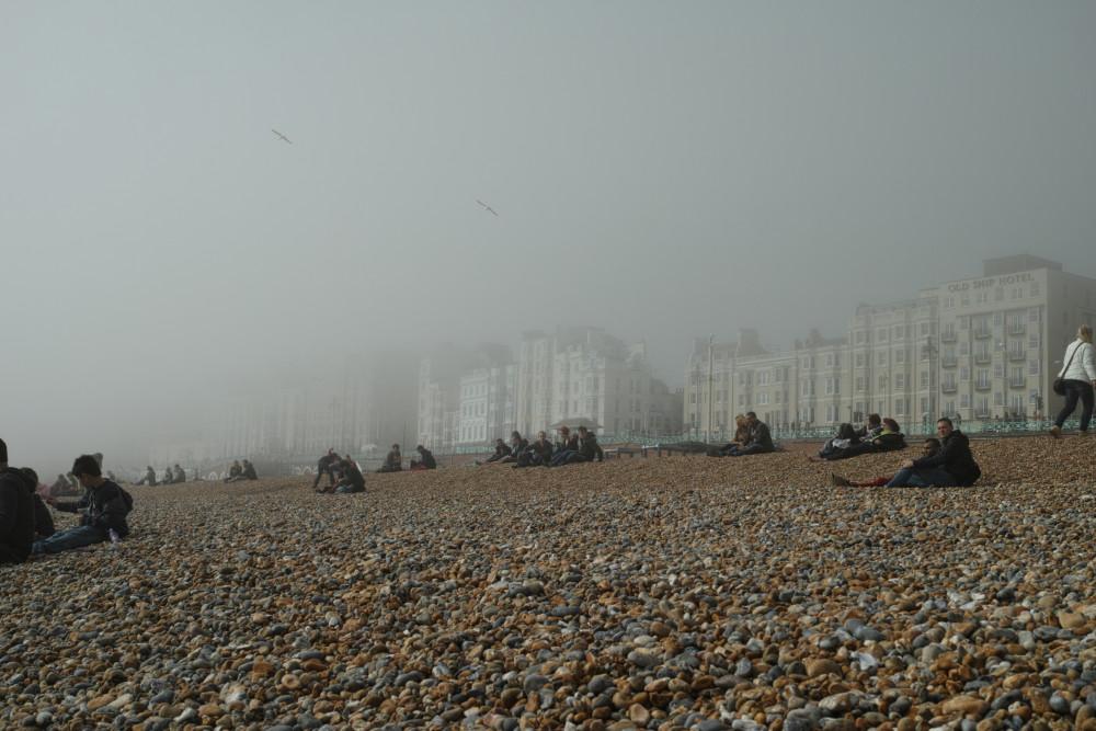 霧のブライトンビーチ